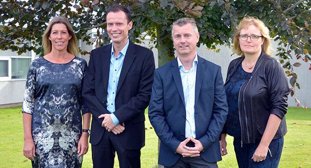 Med ansættelsen af Rikke Herold er Tradiums direktion nu på plads. Fra venstre mod højre: Rikke Herold, vice- og uddannelsesdirektør, Ole Kristensen, HR- og digitaliseringsdirektør, Lars Michael Madsen, adm. direktør, og Pia West Christensen, økonomi- og ressourcedirektør.